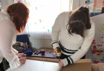 Flatpacks and flapjacks: youth group learn new kitchen skills thanks to Momentum small grant